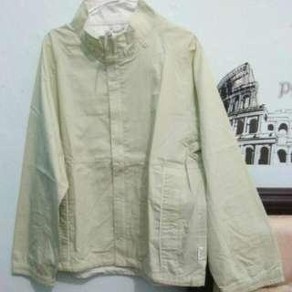 Jaket hijau muda