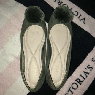 Vinci Pompom Flatshoes