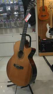 Kredit Gitar Klasik Elektrik Cort CEC5NAT Tanpa CC