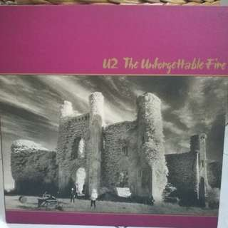 U2 THE UNFORGETTABLE FIRE VG