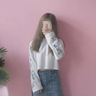 White Long Floral Sleeve Autumn Top