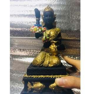 Nang Kwak Bucha Statue