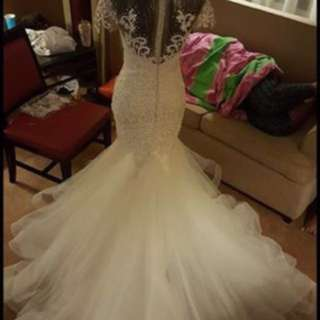 Elegant wedding gown for rent
