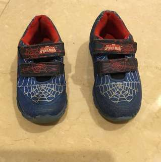 Spiderman shoes anak cowo ukuran 29