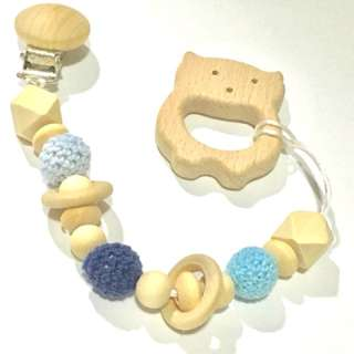 chain/rattle - Wood and crochet beads with rings
