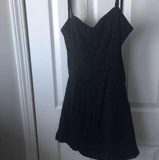 Sweet little black dress 👗