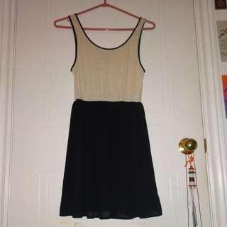 Black & white flowy dress