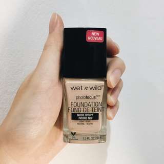 Wet n wild photofocus粉底