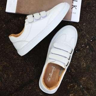 🚚 白色 無印良品風格休閒皮革鞋