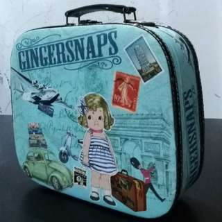 Limited Edition GINGERSNAPS canvas briefcase for her