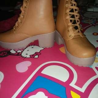 Boots new baru beli di online pas sampe rrmh kegedean size 40