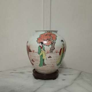 Japanese Porcelain Vase with enamel painting height 21cm perfect