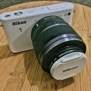Nikon 1 J1 Mirrorless Camera