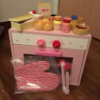 Oven and bakery toy set