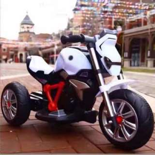 White Motorcycle 3 Wheel Rechargeable Bike