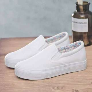 Slip On white shoes - size 35-39