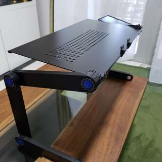 Laptop foldable table
