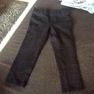 2 to 3t.  Hnm girls legging black