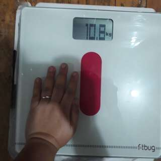 Fitbug digital weighing scale