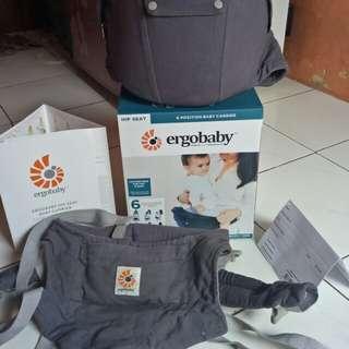 Hip seat (gendongan baby) ergobaby