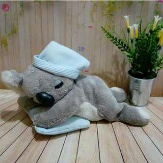 Boneka koala tidur