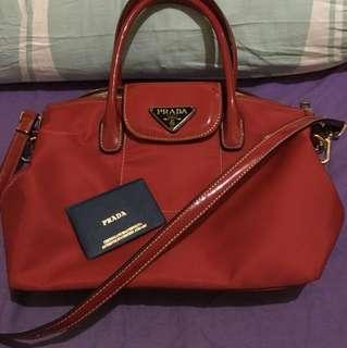 Prada Red shoulder bag (Authentic overrun)