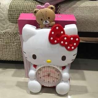 Hello Kitty Swing Clock