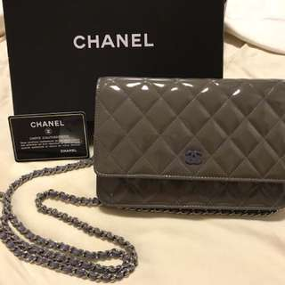 💯real Chanel grey patent WOC