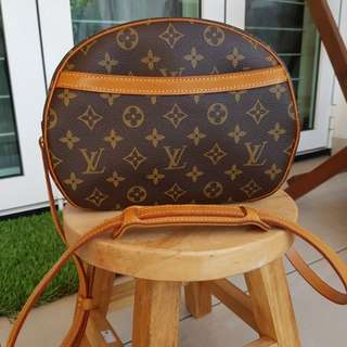 Authentic Louis Vuitton LV Monogram Canvas Blois Cross Body Shoulder Bag