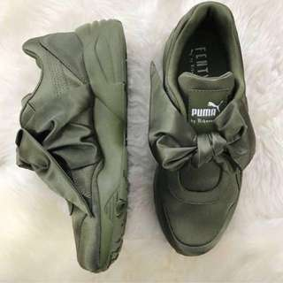 *NEW!*  AUTHENTIC. Fenty Puma Satin Bow Sneakers. SZ.9