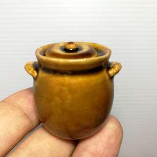 Dollhouse Miniature : A soup or herbal ceramic pot