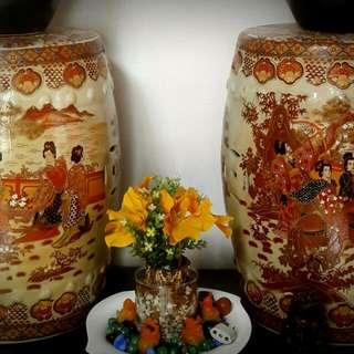 1pair of Chinese jar