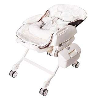 Combi Parenting Station - Fealetto Auto Swing