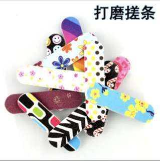 Nail polishing pad