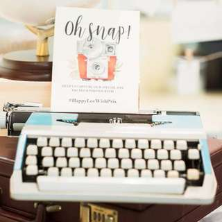 Vintage typewriter : working! Wedding decor / home decor/ rustic