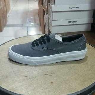 vans authentic mono grey white