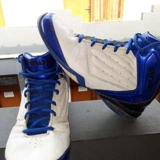 Sepatu Basket AND1 White Blue
