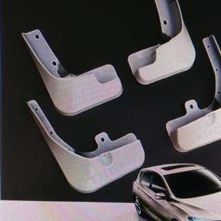 Free accessories (Nissan Pulsar 2017)