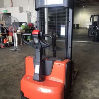 BT electric stacker SWE120