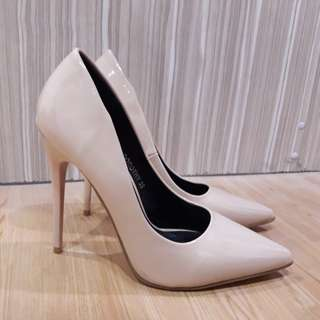 REPRICED... So Fab! Dorothy pointed pumps