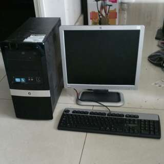(Sale) HP desktop set with Lcd monitor