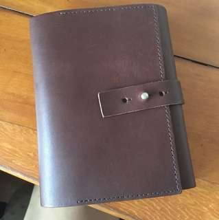 BRAND NEW Genuine leather trifold notebook (Labrador)