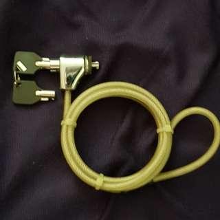La p top cable lock