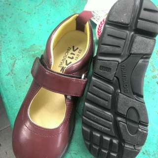 Maroon school shoes for girl from JAPAN
