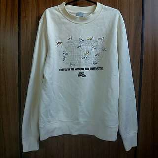 Authentic Nike Vintage Sweater