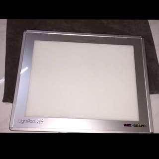 Lightbox: LightPad 930 from Artograph