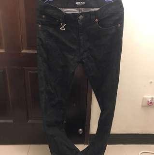 🚚 《二手》Underpeace黑色直筒牛仔長褲