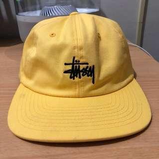 Stussy 黃色六分割帽
