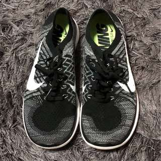 Mens: Nike Free 4.0 Flyknit Running Shoes
