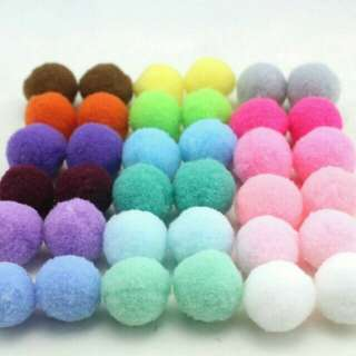 2cm diameter colourful pom pom balls for crafting n decoration